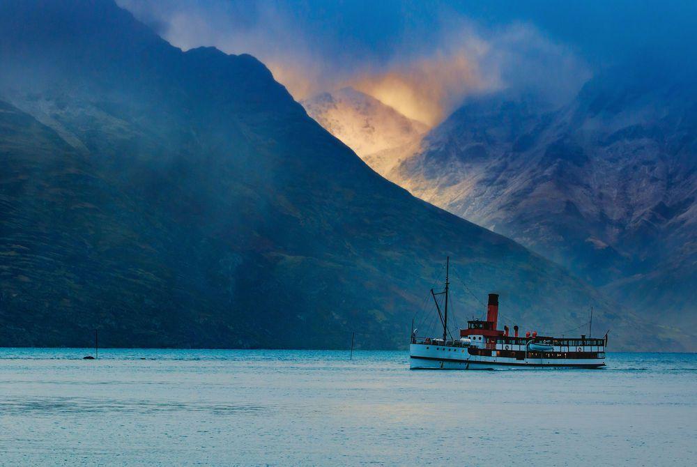 Lake Wakatipi, Queenstown, New Zealand