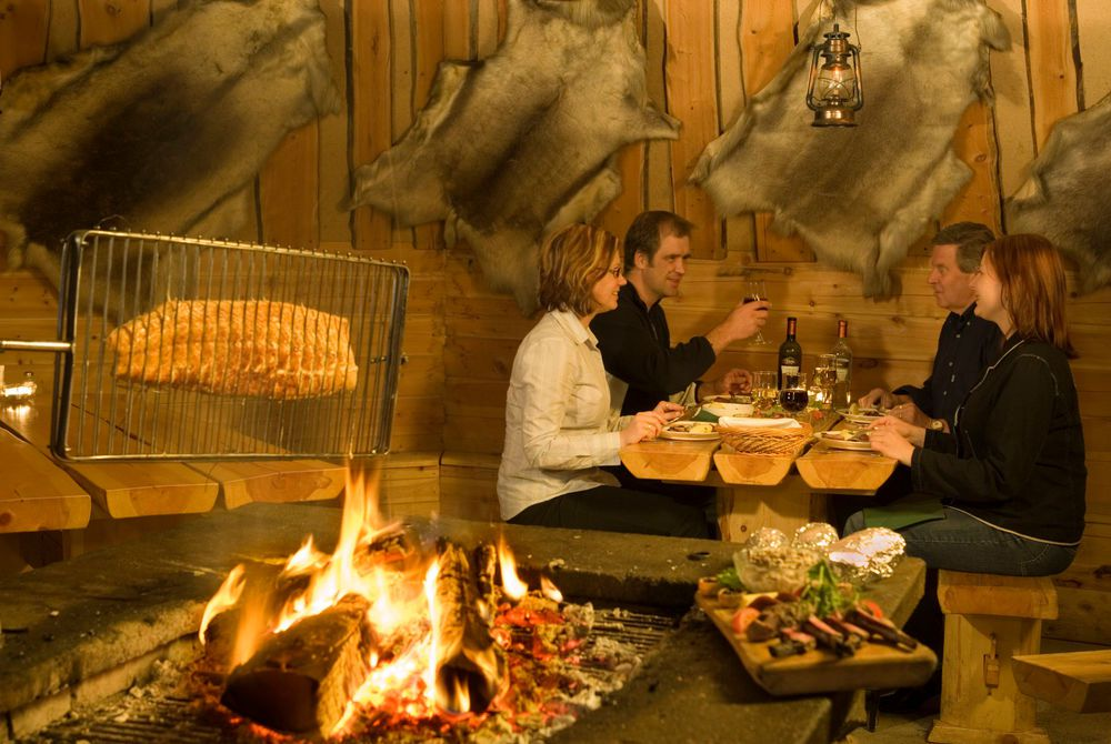 Lappish Hut Feast, Hotel Tunturi
