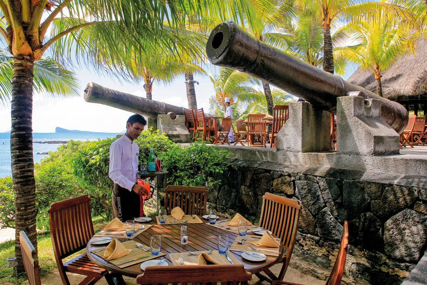 Le Canonnier Hotel outdoor dining