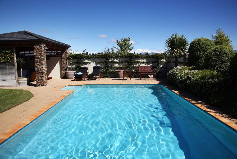 Lime Tree Lodge pool, New Zealand