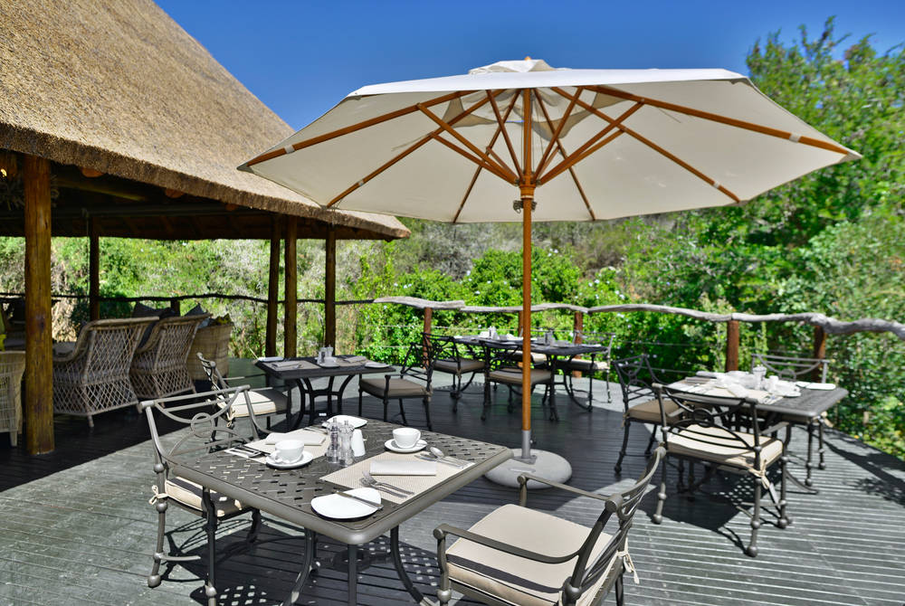 Lobengula Lodge - breakfast deck