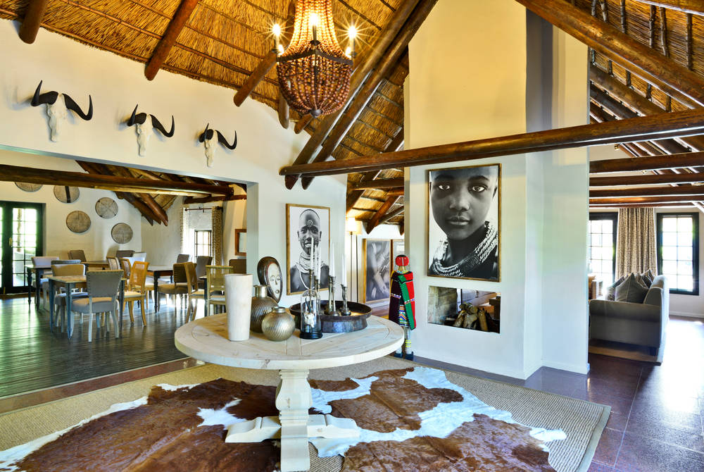 Lobengula Lodge - entrance lobby