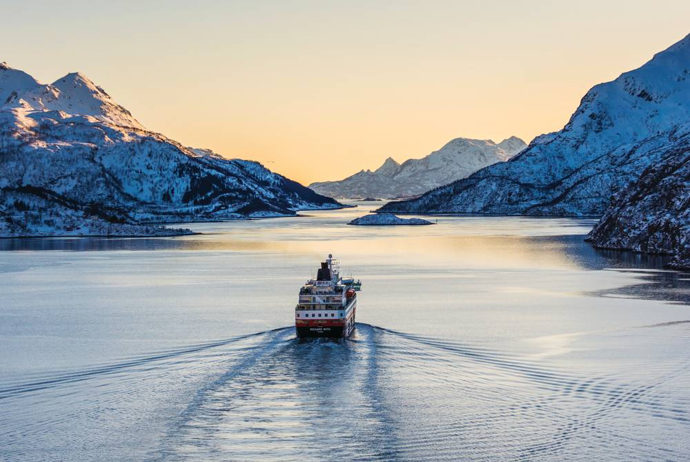 Hurtigruten: Classic Voyage South