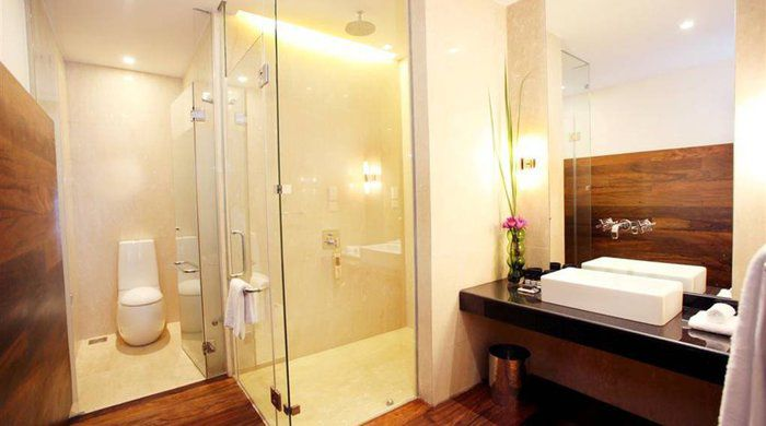 Loft Bathroom, The Fortress Resort and Spa, Galle