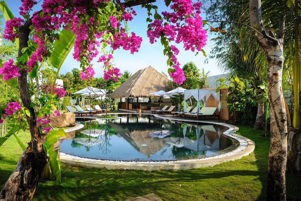 Lounge Pool, Navutu, Siem Reap, Cambodia