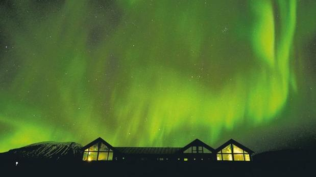 Northern Lights over Lyngen Experience Lodge