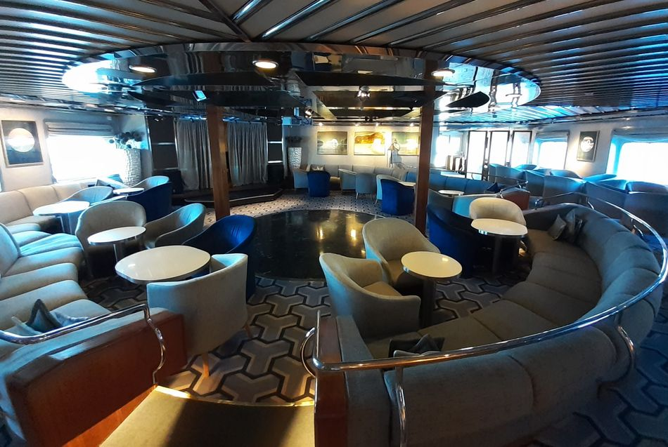 Main Salon, SeaDream Yacht Club