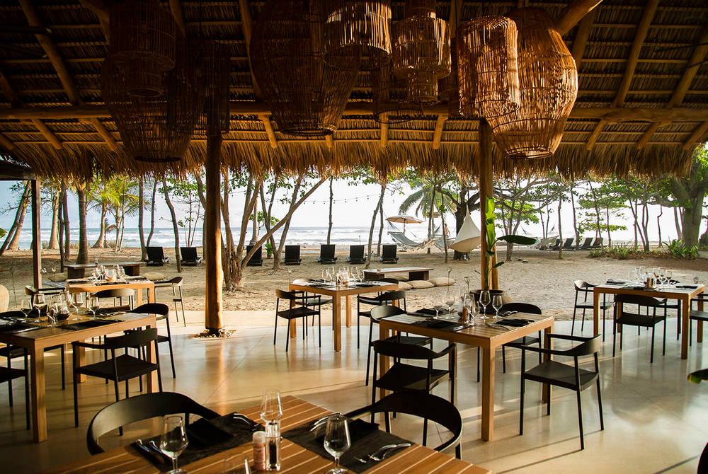 Manzu restaurant, Nantipa Hotel