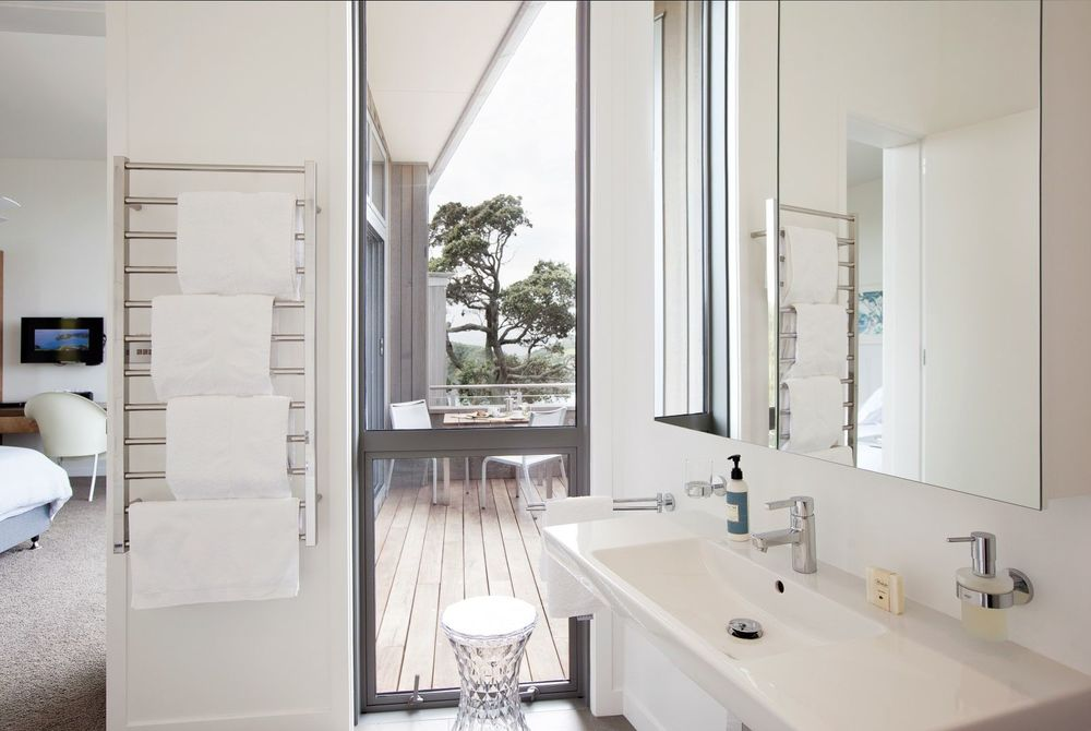 Marino Ridge Waiheke Coromandel toilet, New Zealand