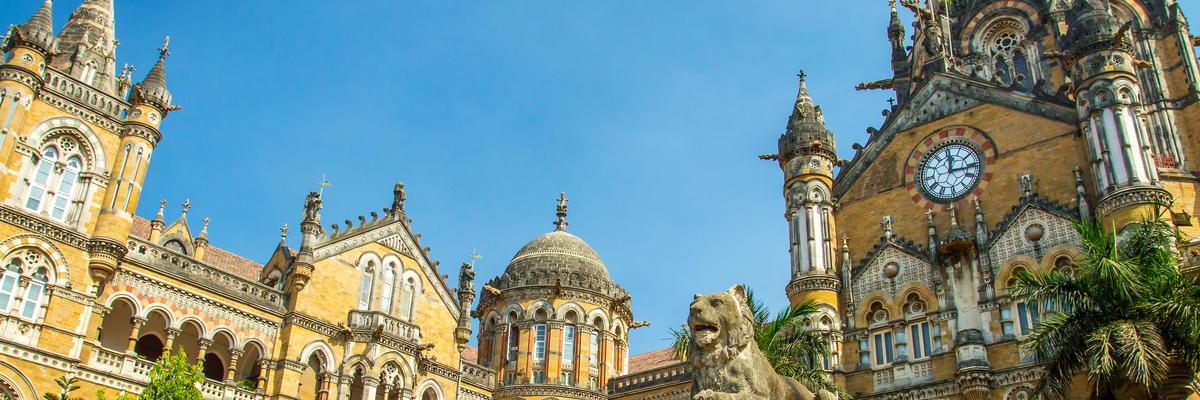 Meenakshi hindu temple, Madurai, Mumbai, India
