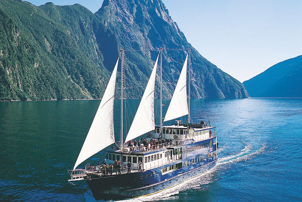 Milford Sound Overnight Cruise