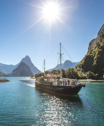 Milford Sound Overnight Cruise in New Zealand