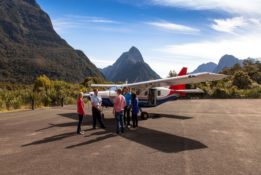 Milford Sound Return Flight & Cruise
