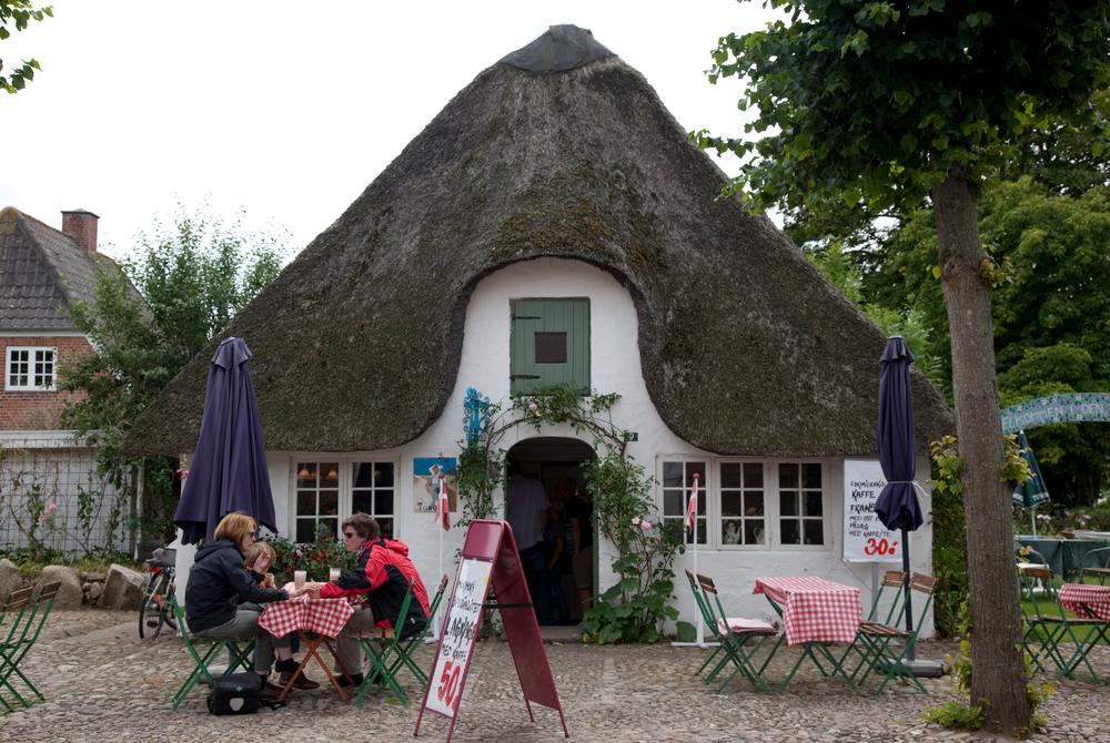 Mormors Cafe, Mogeltonder