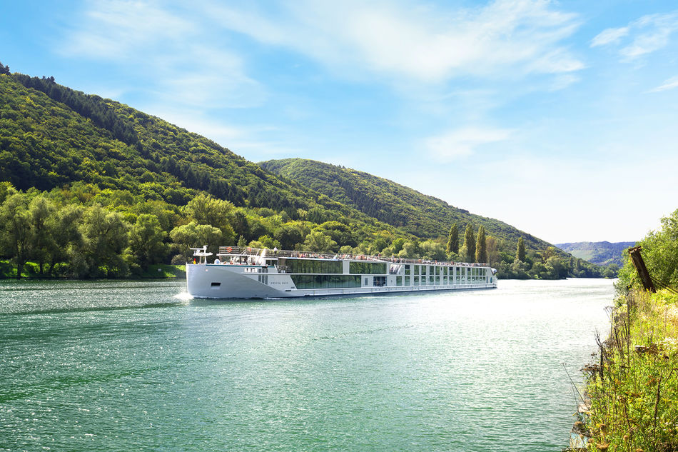 Crystal Ravel on the Danube