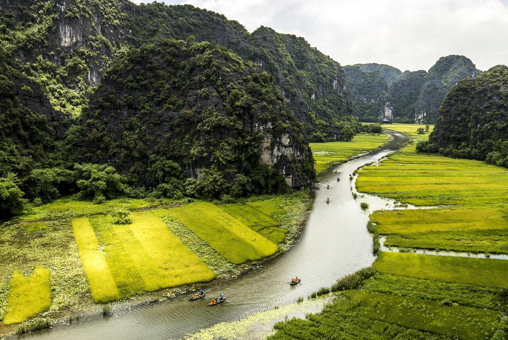 River flowing through Ninh Binh
