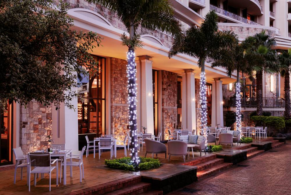 Outdoor dining, One&Only Cape Town