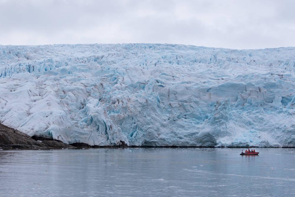 Boat trip to Pyramiden & the Nordenskiöld Glacier