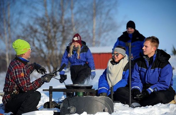 Nordic winter wilderness skills including lunch