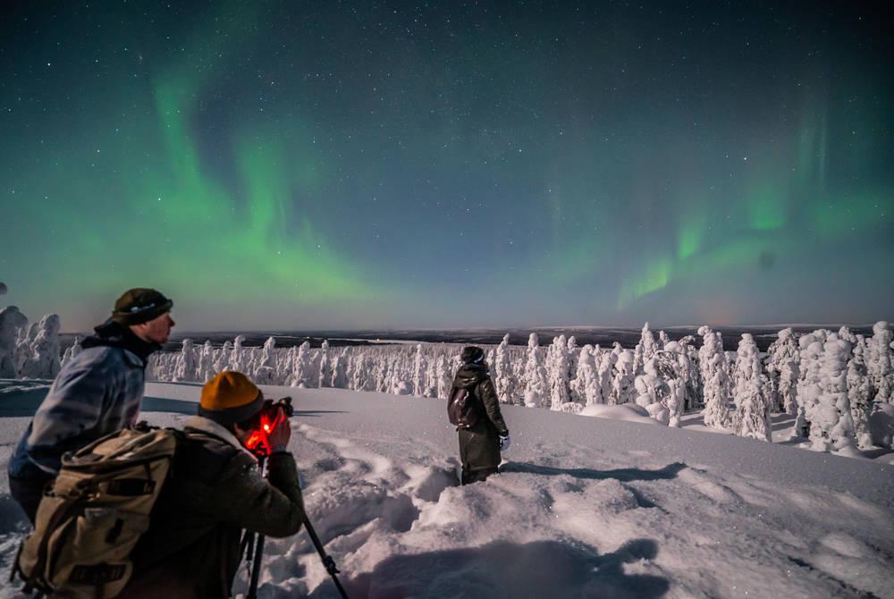 Northern Lights photography, Beyond Arctic