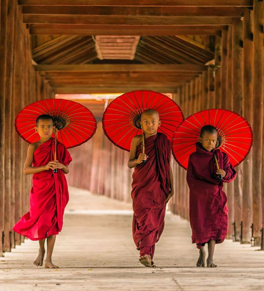 Novice monks, Mandalay, Myanmar, Burma, Asia