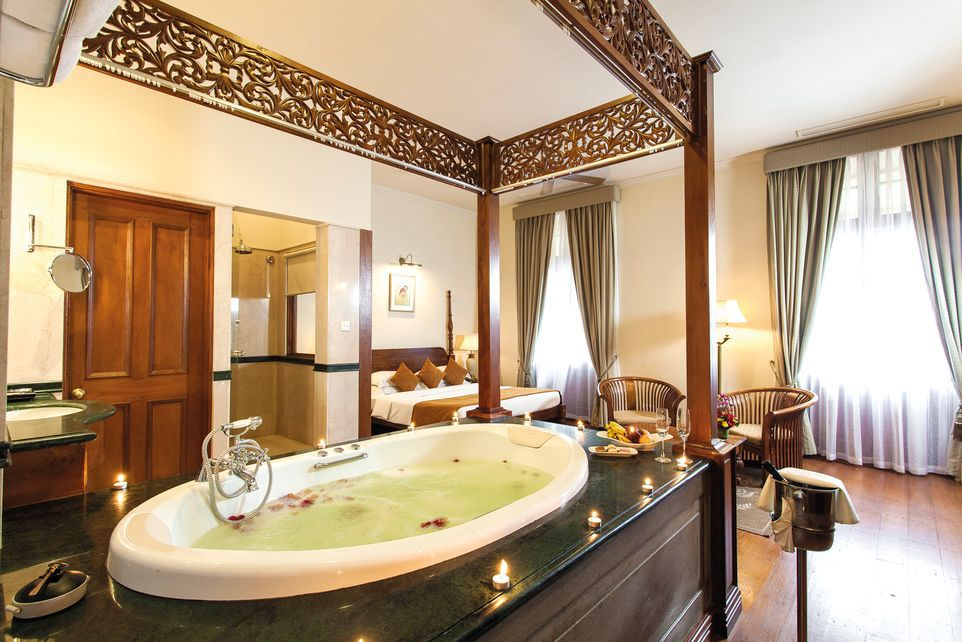 Oceanic Balcony Suite, Galle Face Hotel, Colombo