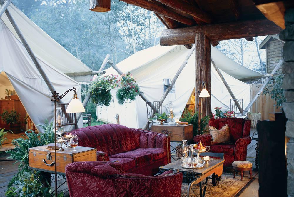 Outdoor Lounge Area, Clayoquot Wilderness Resort