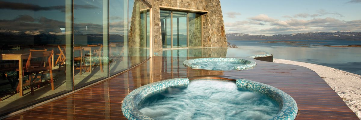 Outdoor jacuzzi, Arakur Ushuaia Resort & Spa