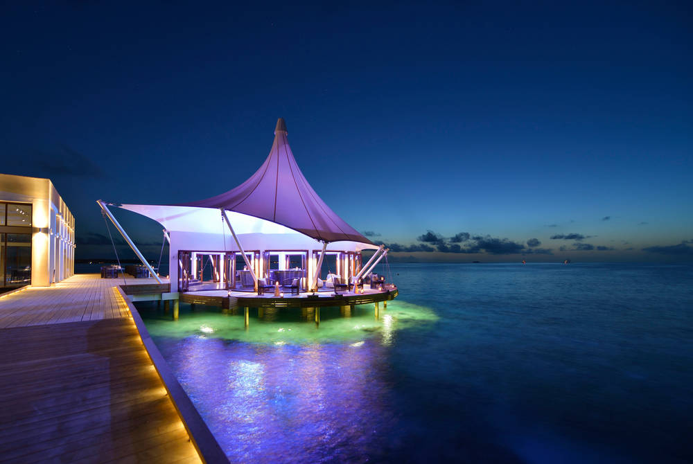 Edge Lounge, Niyama Private Islands Maldives