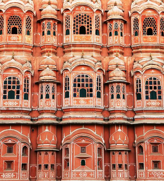 Close up of the windows of the Palace of the Winds in Jaipur