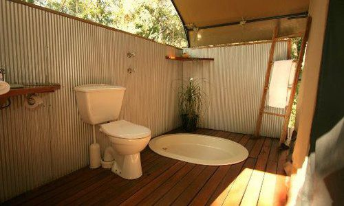 Bathroom, Paperbark Camp
