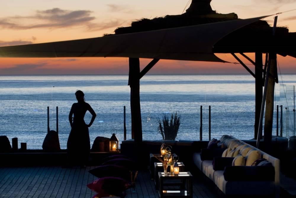 Lounge on the beach, Paradis Plage
