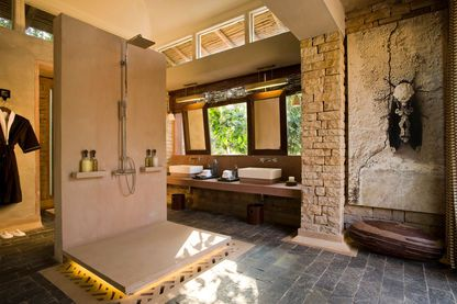 Bathroom, Pashan Garh