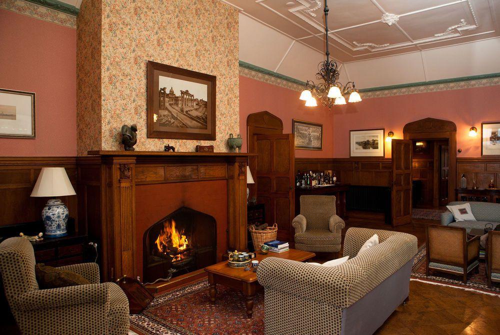 Pen-y-Bryn Lodge lounge, New Zealand