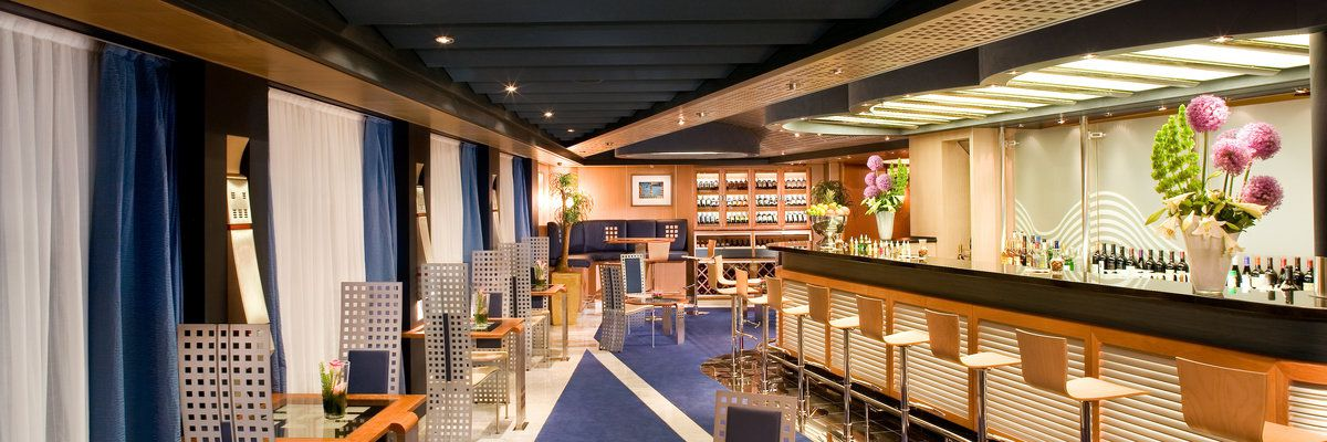 King Cocktail Partnership on Holland America Line