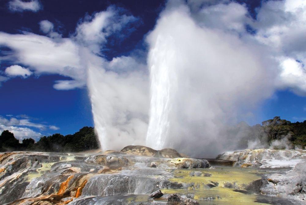Pohutu Geyser, Rotorua, North Island, New Zealand