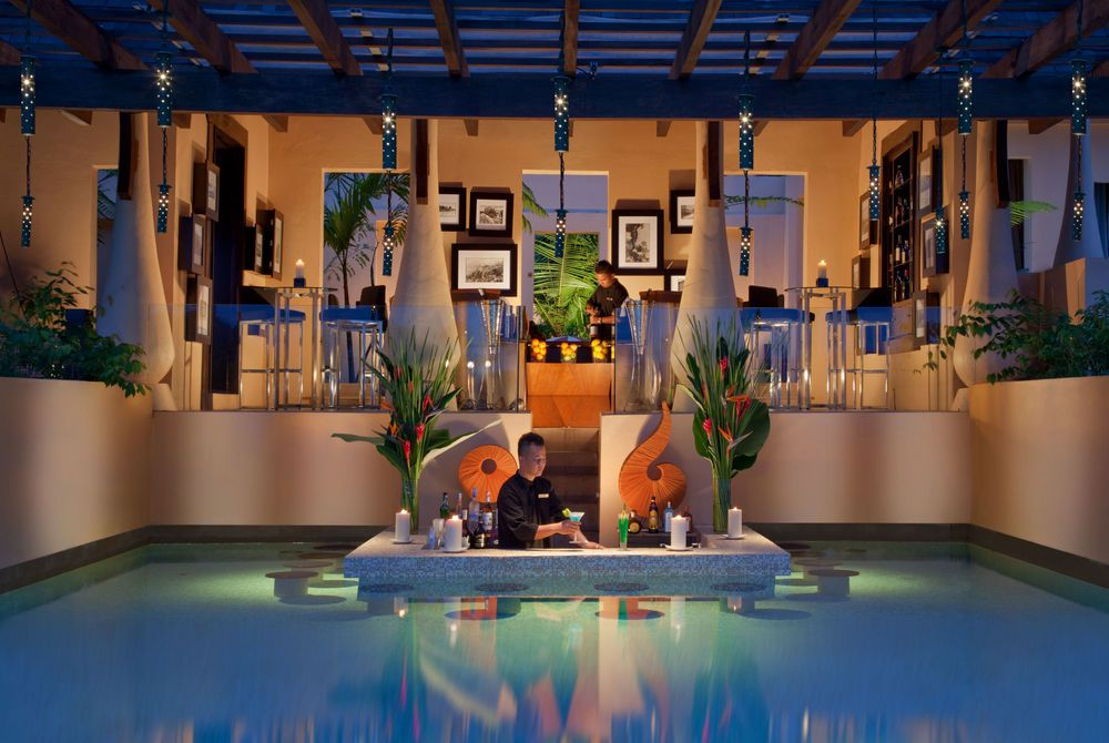 Pool bar, Gaya Island Resort