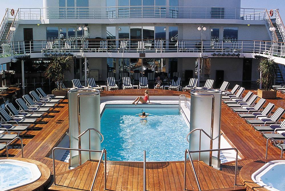 Pool Deck, Seven Seas Navigator
