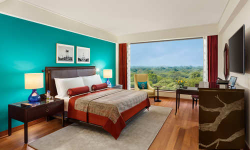 Premier Plus Bedroom – The Oberoi, New Delhi