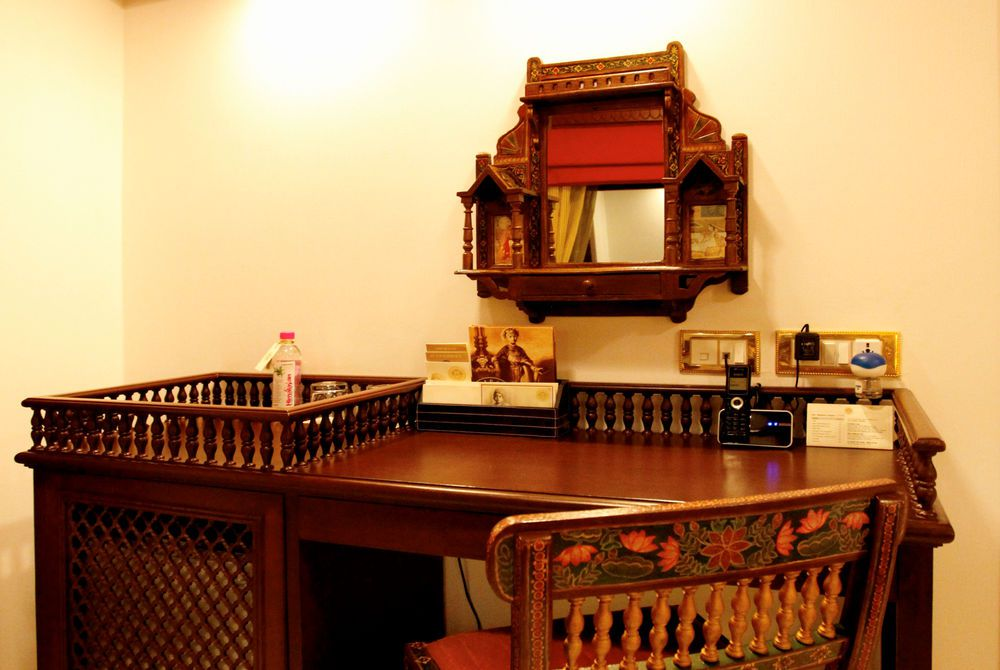 Presidential Suite Study Table, Maharajas' Express