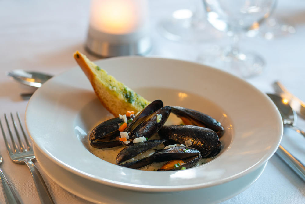 Prince-Edward-Island-Steamed-Mussels