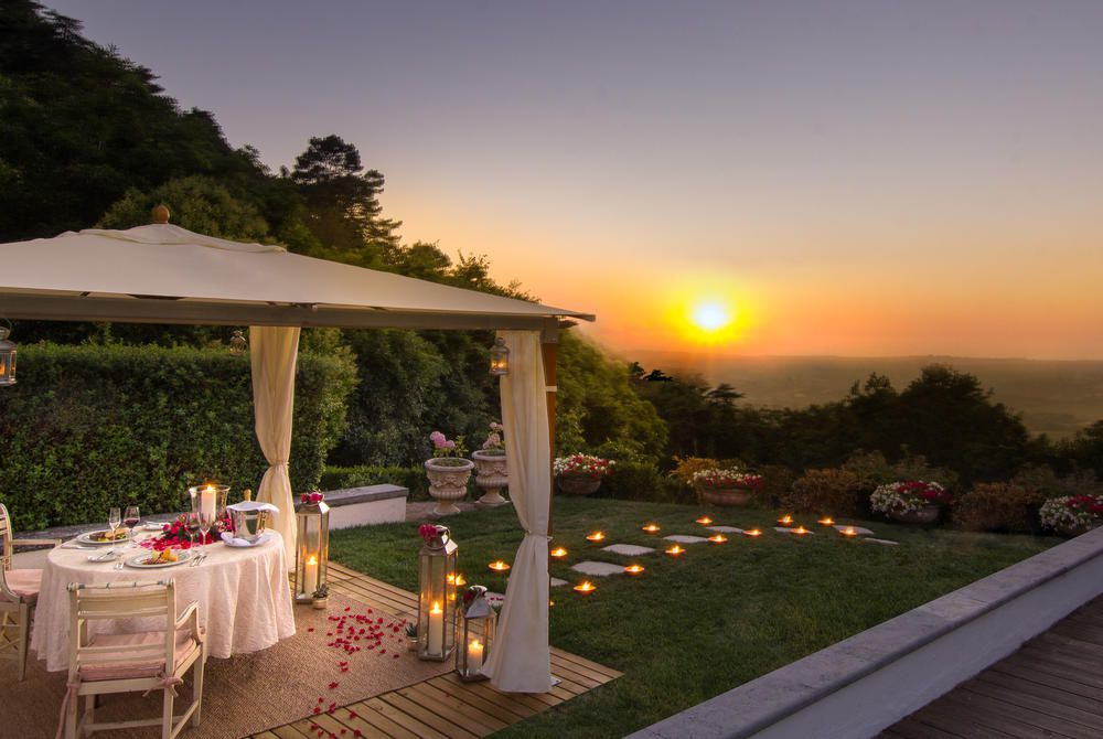 Romantic outdoor dining setting, Tivoli Palácio de Seteais, Sintra