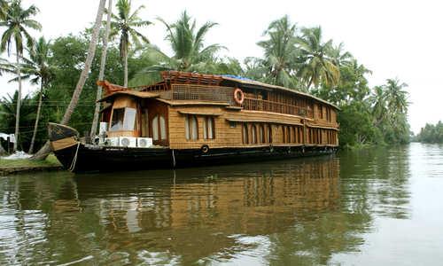RV Vaikundam Kerala HouseBoat
