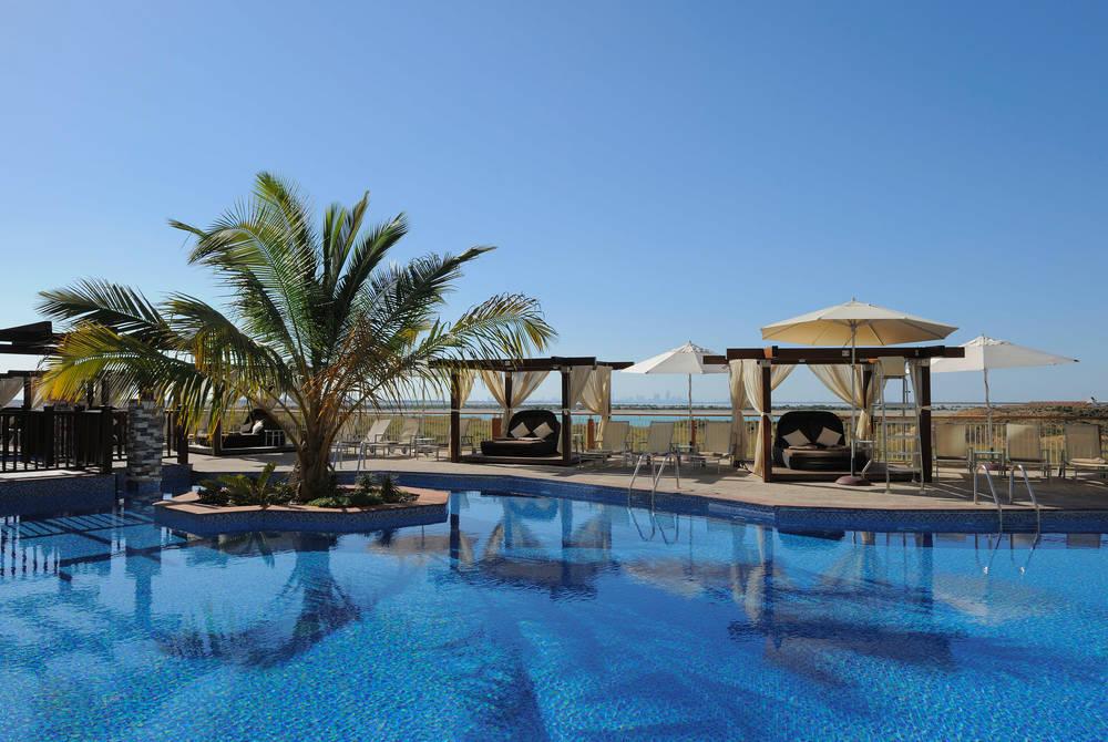 Pool, Radisson Blu, Yas Island