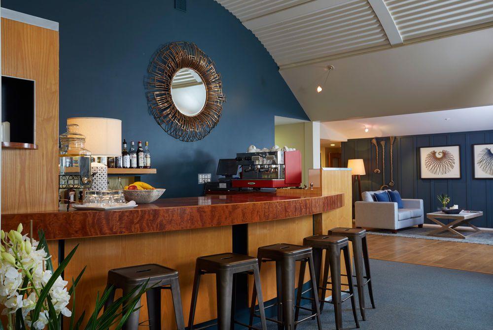 Raetihi Lodge bar, New Zealand