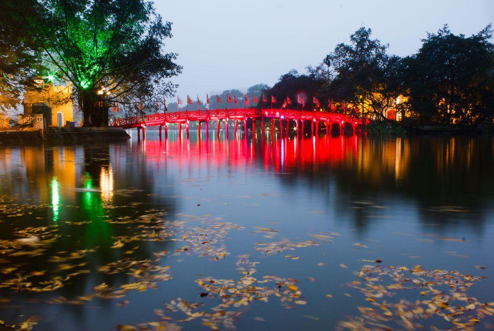 Red Bridge, Hoan Kiem, Ha Noi, Vietnam