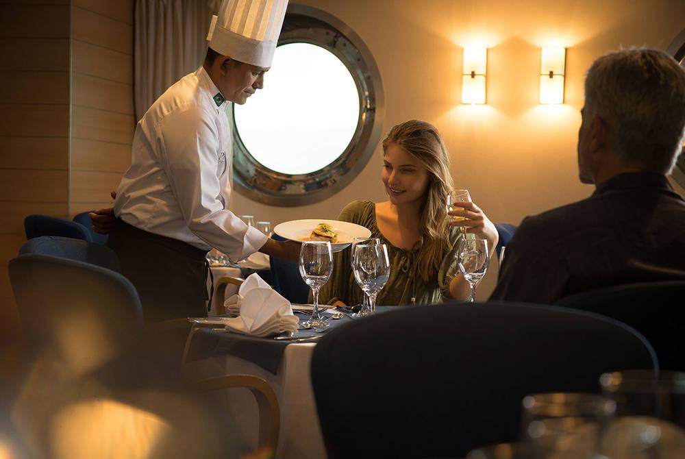 Restaurant, La Pinta Yacht, Galapagos