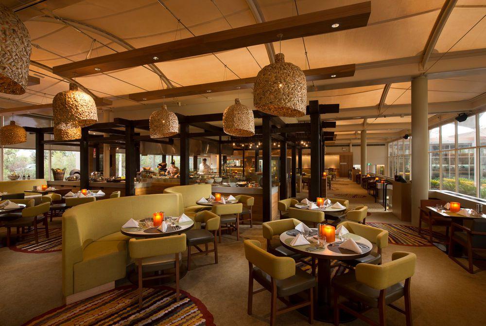 Restaurant, Sails in the Desert