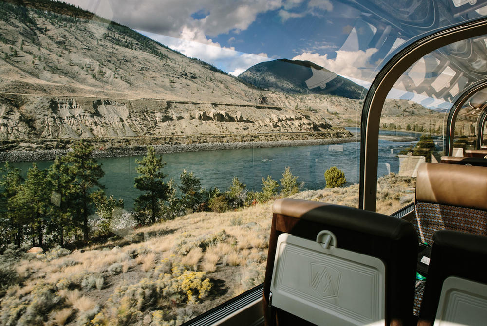 Rocky Mountaineer Goldleaf train carriage class