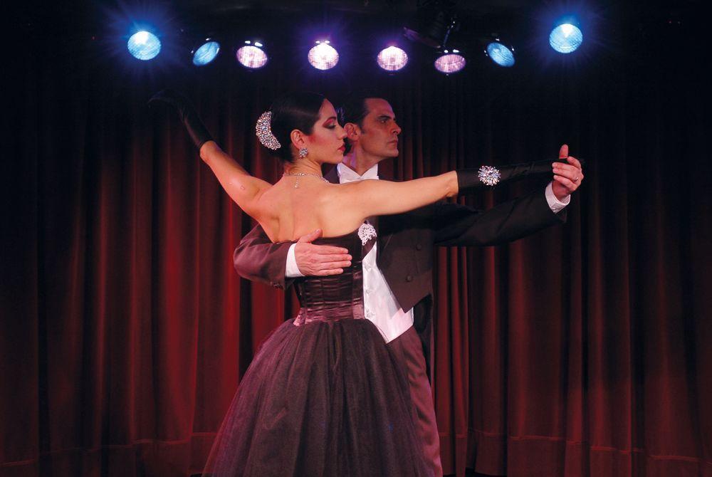 Rojo Tango, Buenos Aires